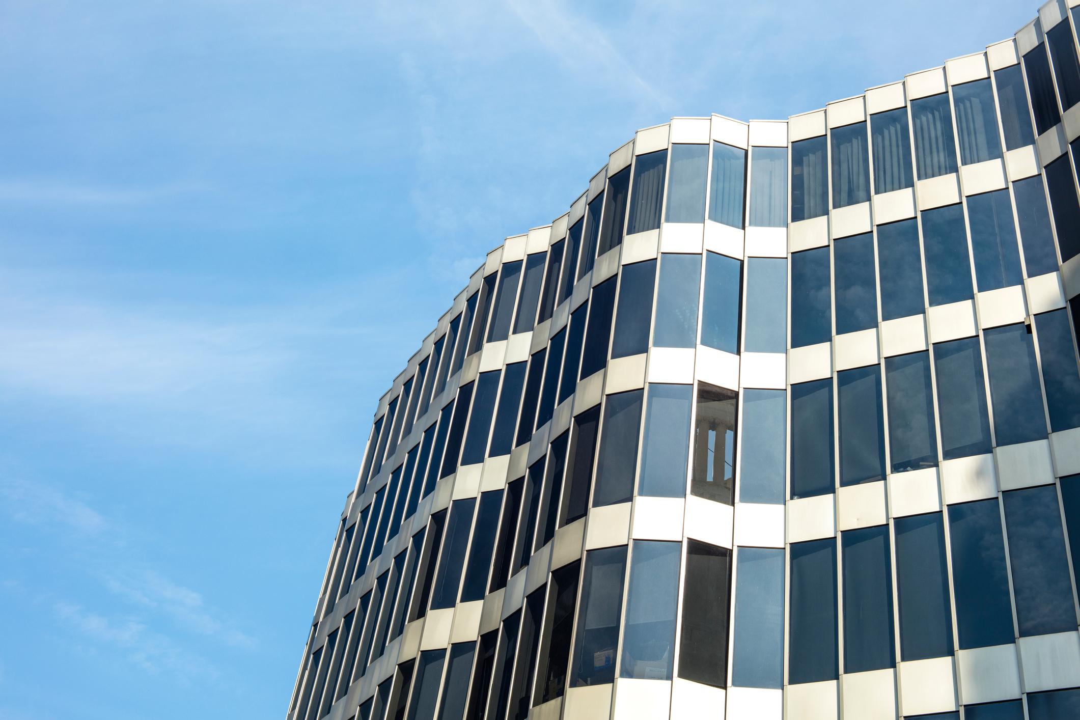 Okna aluminiowe – świetny pomysł, czy zmarnowane pieniądze?